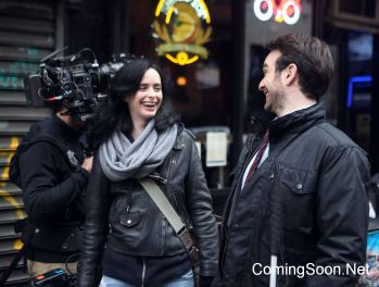 "NEW YORK, NY - DECEMBER 07: Charlie Cox, Krysten Ritter filming Marvel's ""The Defenders"" on December 7, 2016 in New York City. (Photo by Steve Sands/GC Images)"