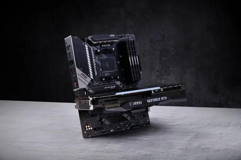 HXdmPcv 【画像】RTX3090さん、8K60fps、4K120fps 動作余裕ですべてを過去にするwwwww