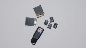 sd-2408445_640-480x269 店「SDカード64GBで1万円!」Amazon「128GBで2000円です」