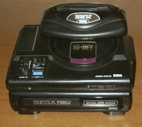 Mega_Drive_Asia__Sega_CD_US_NTSC__32X-480x429 【レトロゲーム】メガドライブ、セガサターン、ドリームキャスト←こういうの買ってた奴ちょっと来いw