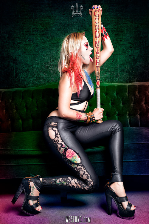 Harley Quinn τα σπάει