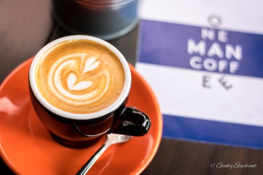 One Man Coffee Cafe: Latte