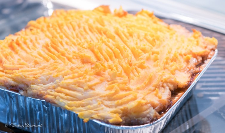Cookup: Mashed potato (and sweet potato) added to the top of the shepherd's pie.