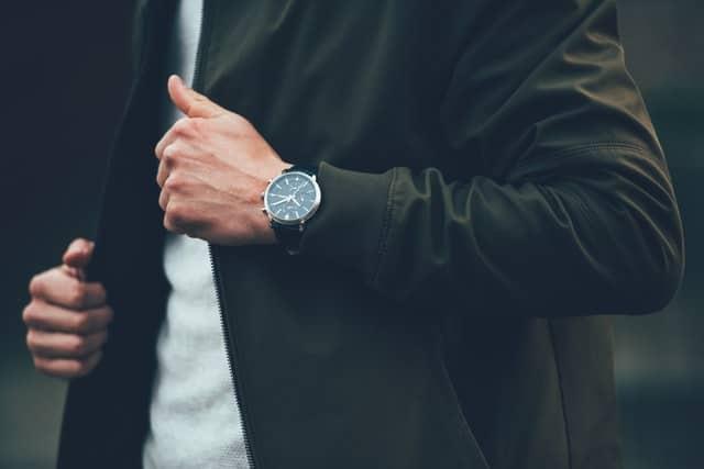 Top 10 Best Men & Women's Luxury Watches In India Under 10000 9
