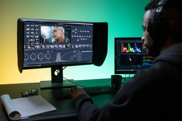 Top Video Editing Apps For YouTube and Instagram Reels 1