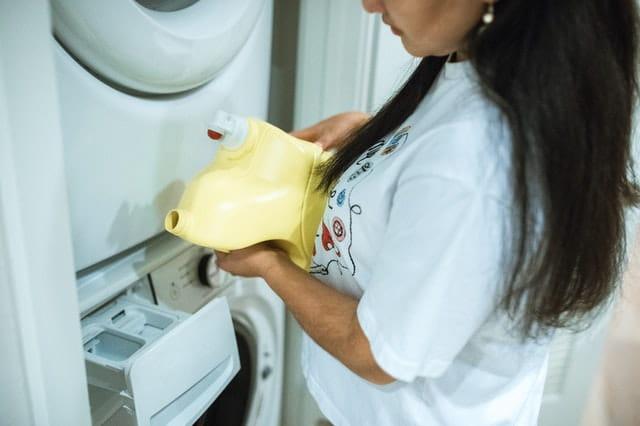 Powder or Liquid Detergent: Which is Better for the Washing Machine? 3