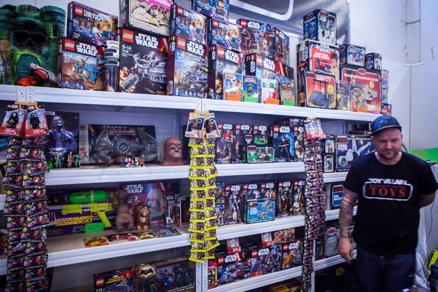 Star Wars Toys - Sci-Fi World