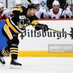 Pittsburgh Penguins kauppasi suomalaispuolustajansa Chicagoon