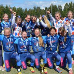 Pesäpalloleiri päättyi, Suurleiri huipentui Oulussa – leirimestareiksi Kempeleen Kirin D-tytöt ja Seinäjoen Maila-Jussien D-pojat