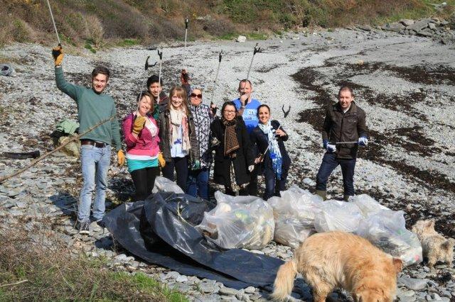 Zurich employees at Happy Valley - Photo credit: Beach Buddies