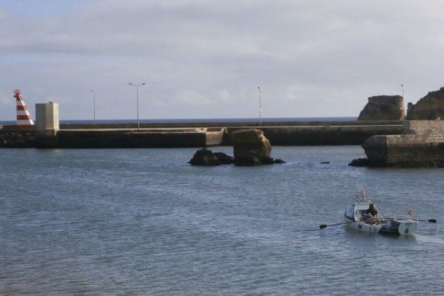Andrew sets off to sea as he begins his row across the Atlantic. Photo supplied by Chris Freer