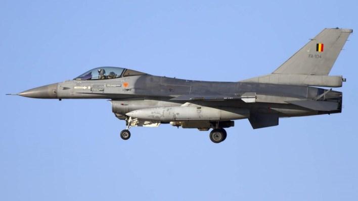 lainfo_es-17109-aviones_f16_blegica-1024x577