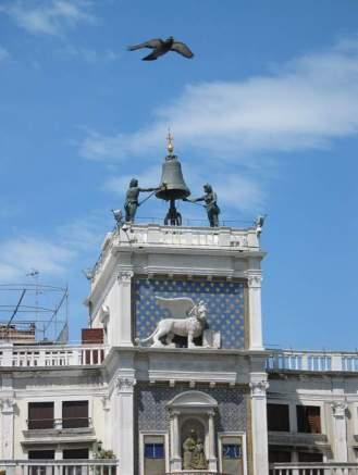 Glockenmänner in Venedig