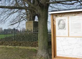Denkmal und Informationstafel