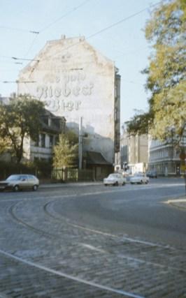 Publicidad de Riebeck en esquina de la Lützner con la Enderstrasse en 1990