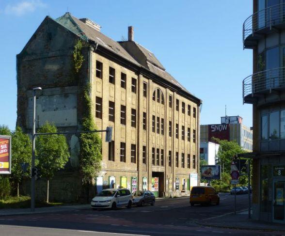 Nachbar an der Ecke von Täubchen- und Gerichtsweg