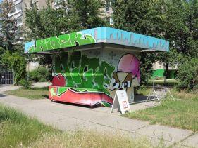 Der Kiosk in der Lützner Straße im Juni 2019, legal besprüht