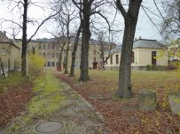 Alte Handelsschule, Blick von der Dieskaustraße