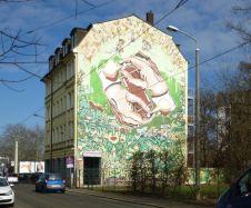 Hand in Hand in der Arthur-Hoffmann-Straße