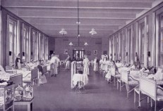 Frauen-Chirurgie (aus der Broschüre von 1920)