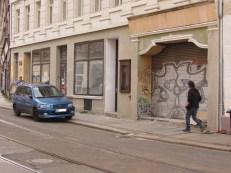 Georg-Schwarz-Straße mit altem Kino-Eingang