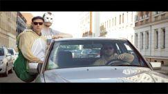 Peter, ein Mie(t)zekater und Edgar (v.re.) im Mercedes