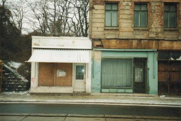 Läden in der Zweinaundorfer Straße 61