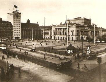 Augustusplatz mit Neuem Theater 1929