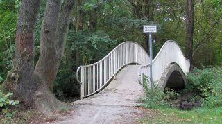 Brücke mit Schwung