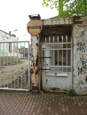 Fabrikeingang in der Angerstraße