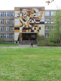 Wandbild im Grünauer Wohnkomplex 4, April 2012
