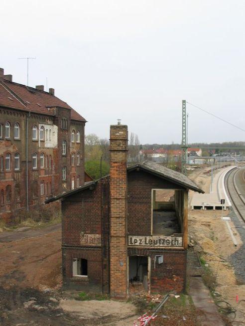 Stellwerk Leutzsch-Süd im April 2012