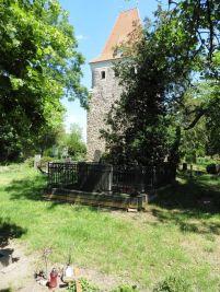 Friedhof und Kirche in Thekla