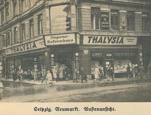 Geschäft am Neumarkt (aus Thalysia-Monatshefte November 1930)