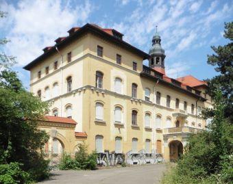 Eingangsgebäude an der Chemnitzer Straße