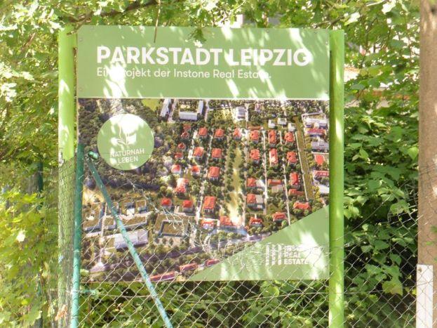 Werbetafel für die Parkstadt Dösen