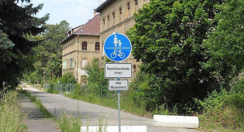 Bezirkskrankenhaus / Parkstadt Dösen