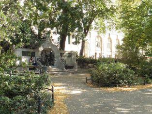 Märchenbrunnen in den Promenaden