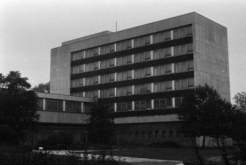 Das Gästehaus in den 1980ern (Ansicht von der Karl-Tauchnitz-Straße)