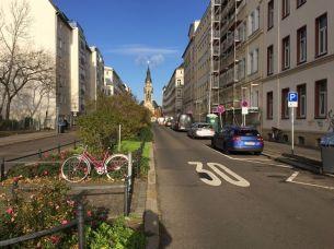 Straße mit Blick und Grünstreifen: Nordstraße