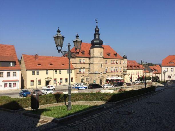 Markt und Rathaus in Mücheln