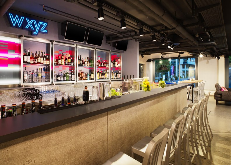 Aloft_Stuttgart_w xyz Bar@2015 Starwood Hotels und Resorts Worldwide