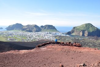 Eldfell Vulkan mit Blick auf Heimaey