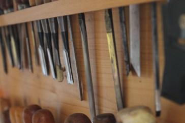 Jahrelange Erfahrung in der Restauration von historischen Instrumenten.