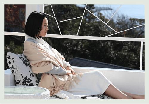 batch_ゴーストライター-中谷美紀-衣装1