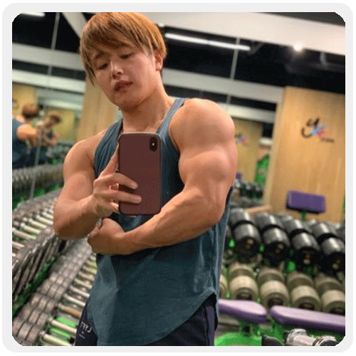 女装筋肉Youtuber・ぷろたん