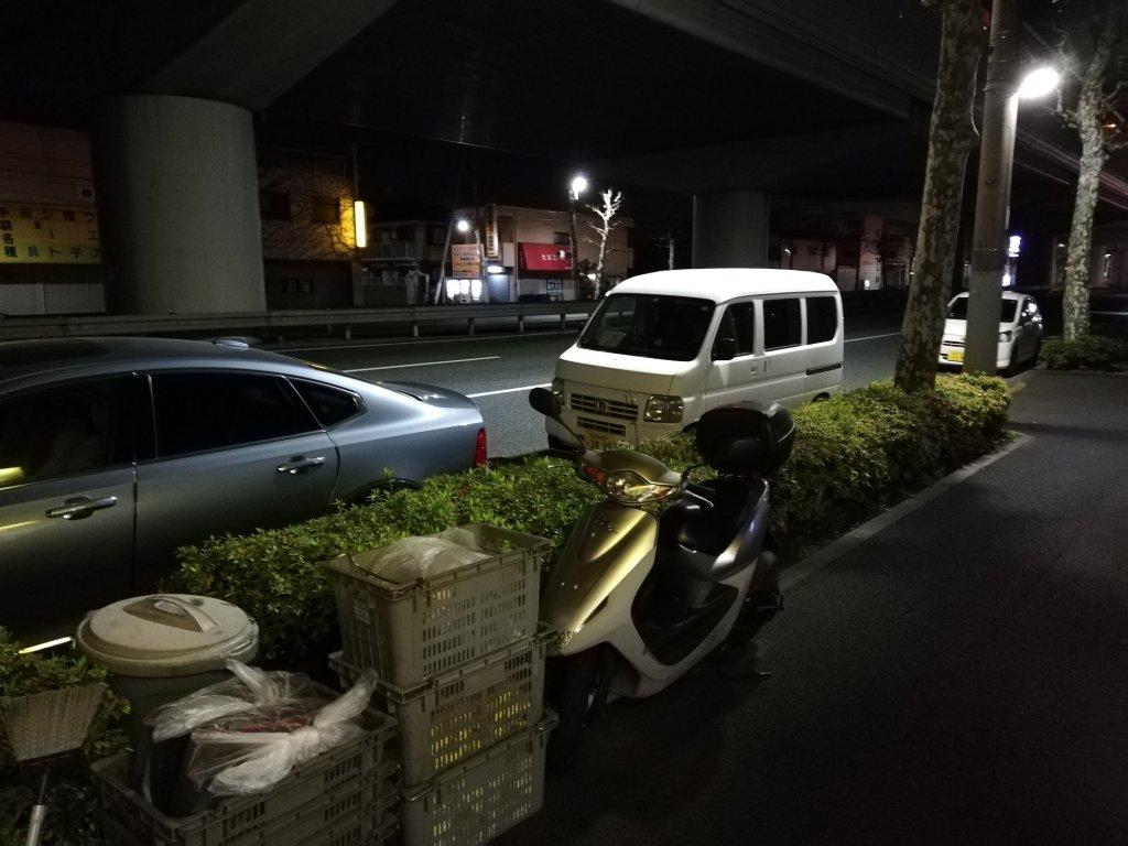 江戸川区篠崎のラーメン屋勝に並ぶ車の行列