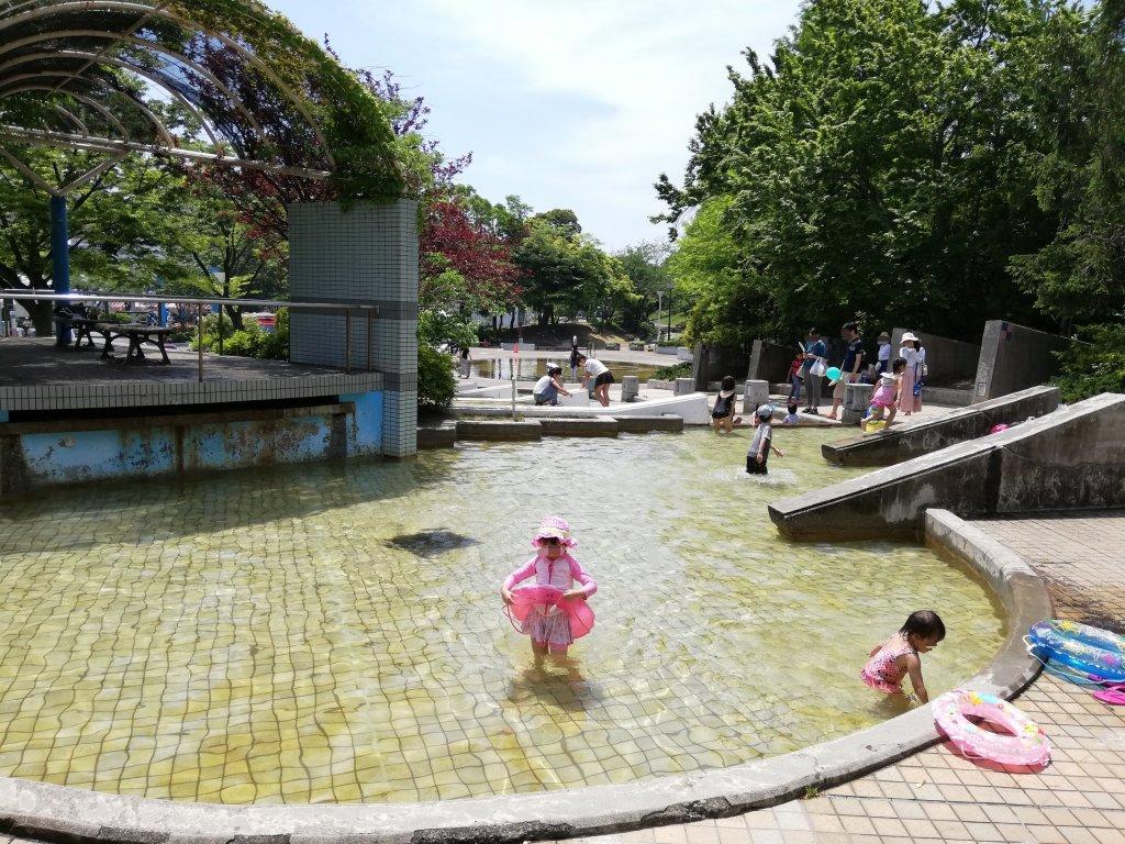 江戸川区新長島川親水公園のプール