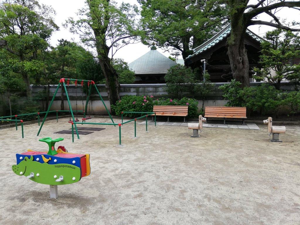 古川親水公園のブランコ