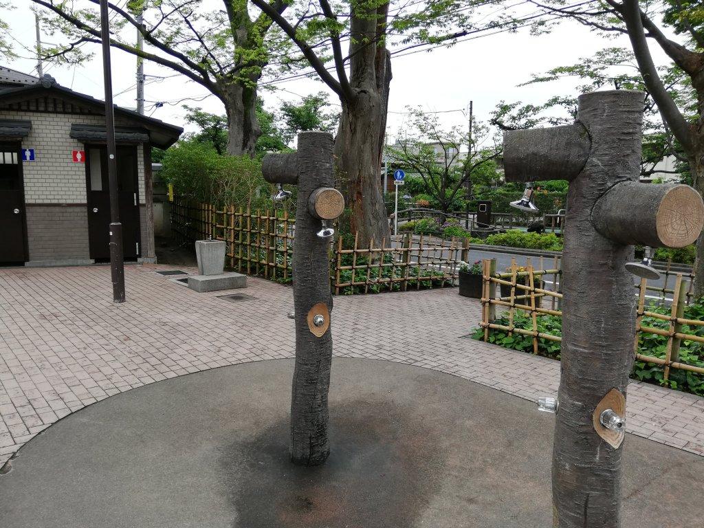 古川親水公園のシャワー